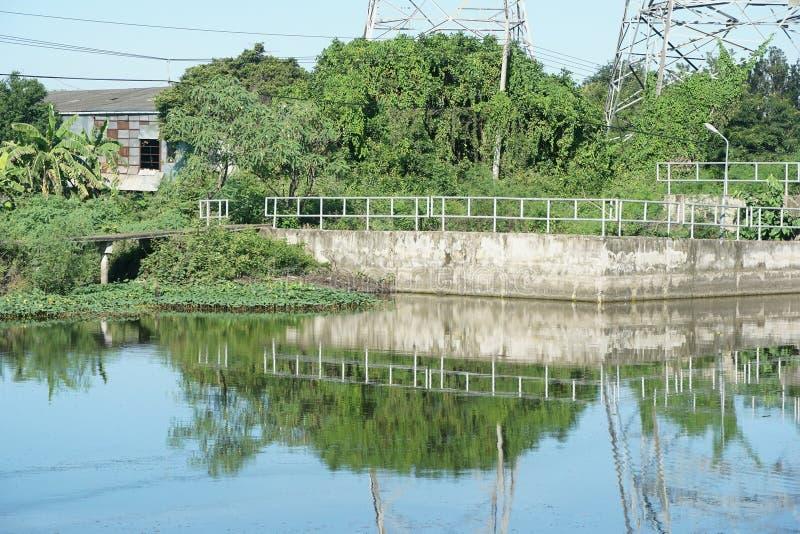 Canal de Khlong Preng en el pa?s Chachoengsao Tailandia imagen de archivo
