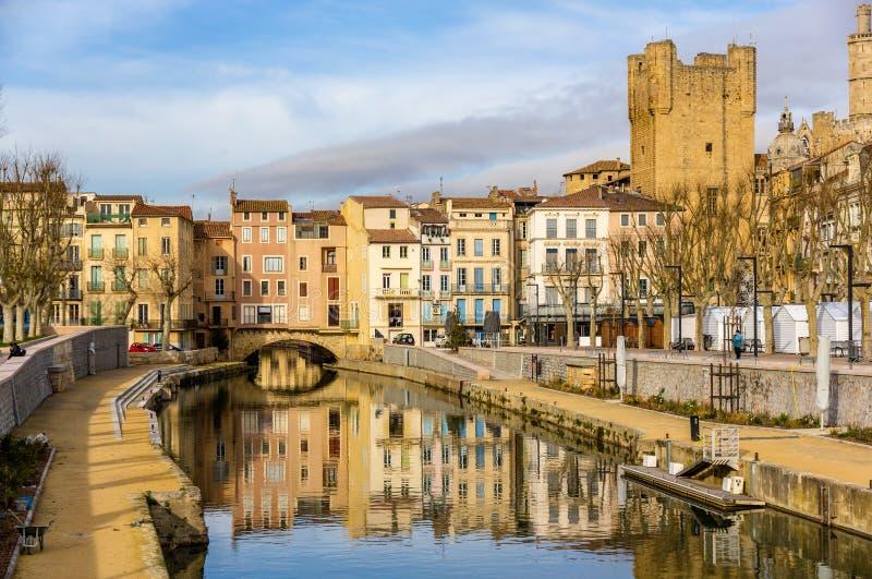 Canal de la Robine在纳莫纳,朗戈多克・鲁西荣 免版税图库摄影