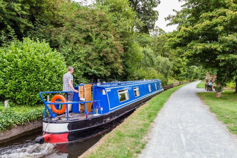 Canal de Llangollen do barco de canal em Gales, Reino Unido foto de stock