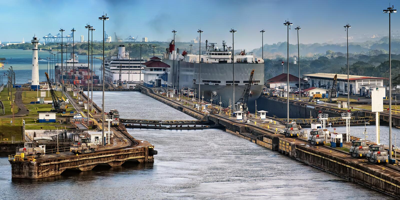 Canal de Panamá imagens de stock royalty free