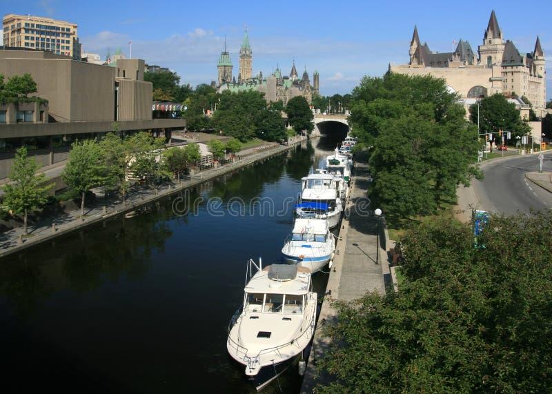 Canal de Rideau em Ottawa da baixa foto de stock