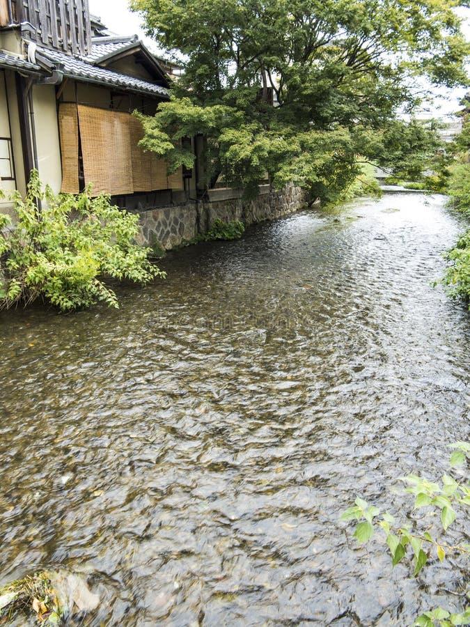 Canal de Shirakawa en Gion viejo foto de archivo libre de regalías