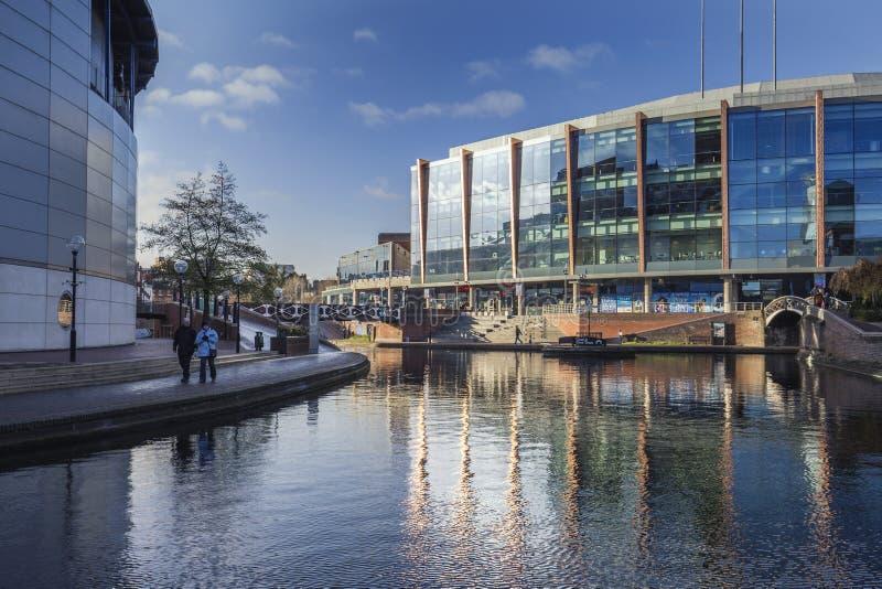 Canal do centro de cidade de Birmingham em Reino Unido foto de stock royalty free