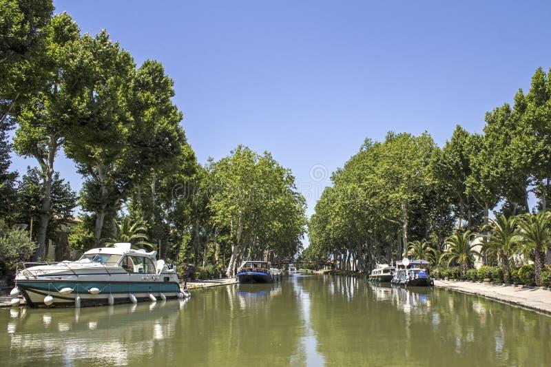 Canal du Midi i Provence. Frankrike. arkivfoton