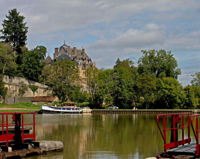 Download On The Canal Du Nivernais, Velo, Chatillon En Bazois. Stock Photo - Image: 46536820