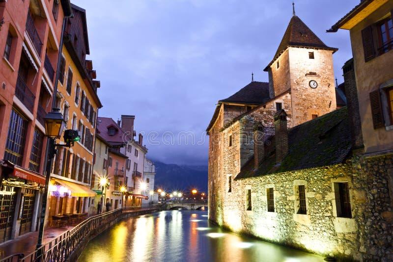 canal du Thiou,在阿讷西,法国 免版税库存照片