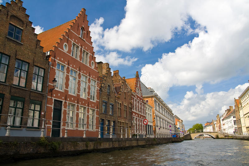 Canal em Bruges, Bélgica imagens de stock royalty free