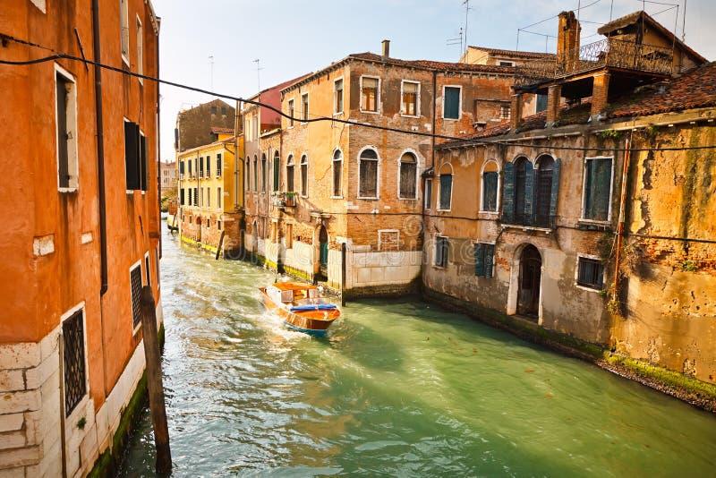 Canal em Veneza foto de stock