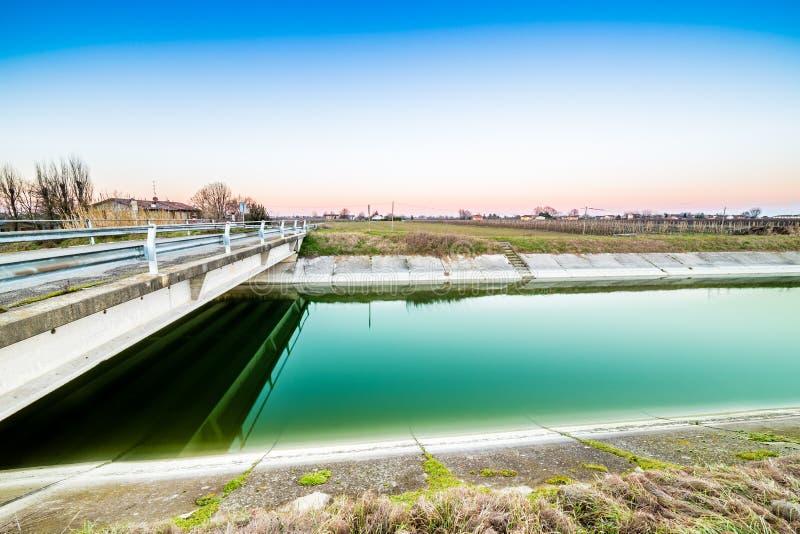 canal et agriculture de l'eau image libre de droits