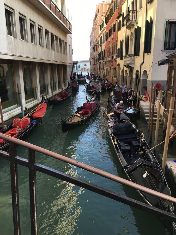 Canal Gondel grandioso de Venecia Venedig imagem de stock