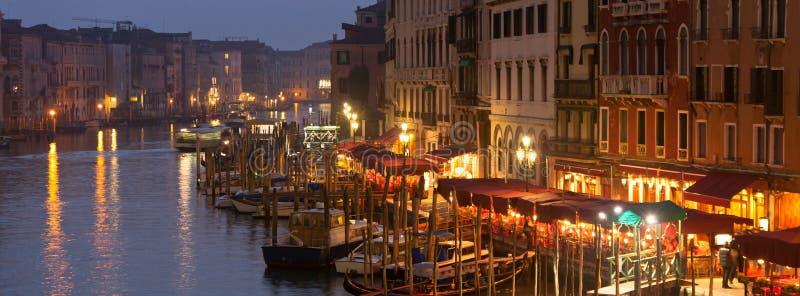 Canal grand la nuit, Venise photographie stock libre de droits
