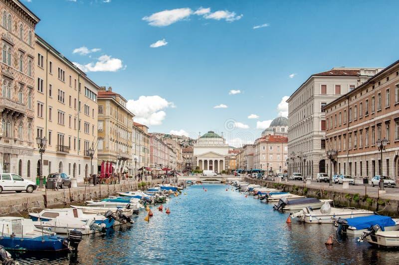 Canal grande en Trieste fotografía de archivo