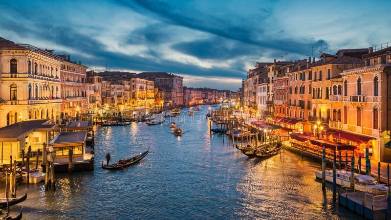 Canal grande na noite, Veneza imagens de stock