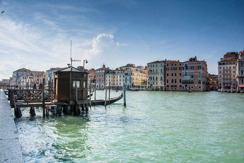 Download Canal magnífico de Venecia imagen editorial. Imagen de modo - 41921815