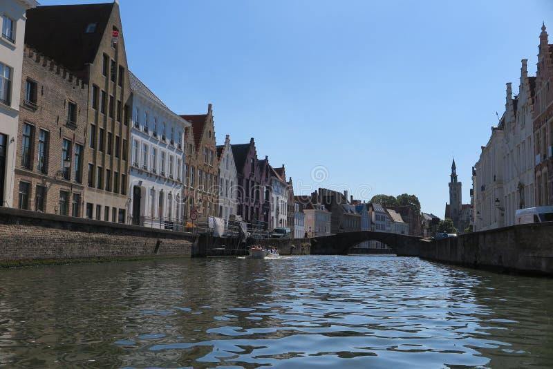 Canal pitoresco em Bruges imagem de stock royalty free
