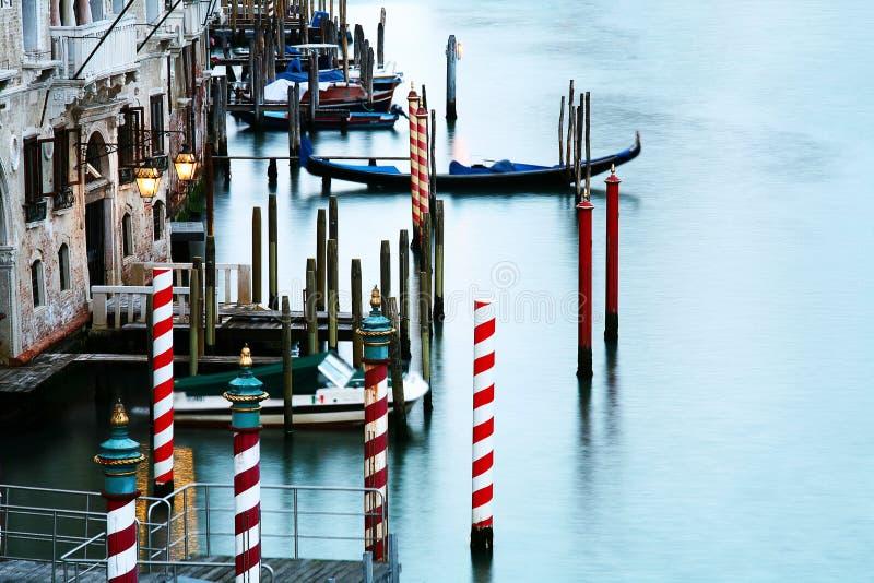 Canal quieto em Veneza imagem de stock