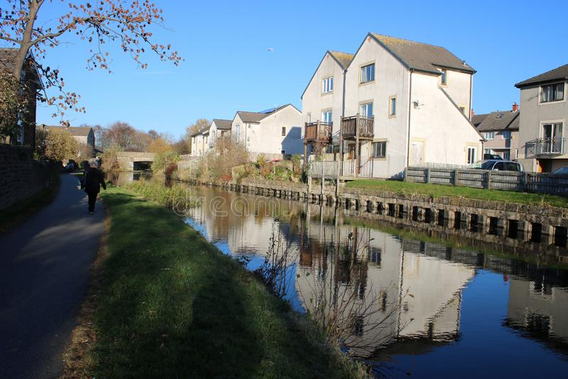 Canal side housing, Lancaster canal, Lancaster UK. View of modern housing at the side of the Lancaster canal in the Freehold area of Lancaster, Lancashire, UK stock image
