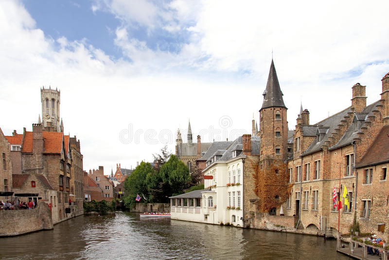 Canale a Bruges, Belgio fotografie stock
