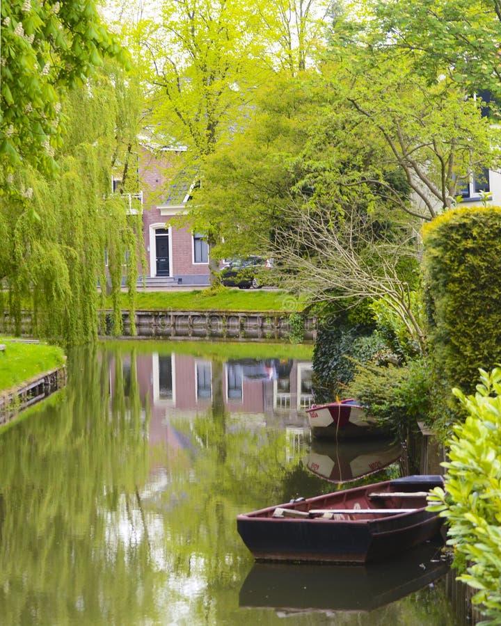 Canale calmo nei Paesi Bassi immagine stock