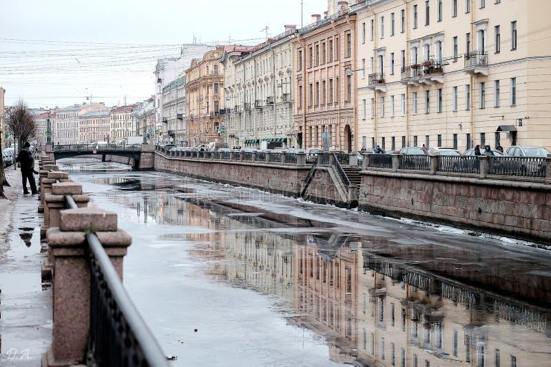 Canale di Griboedov nell'inverno, StPetersburg immagine stock libera da diritti