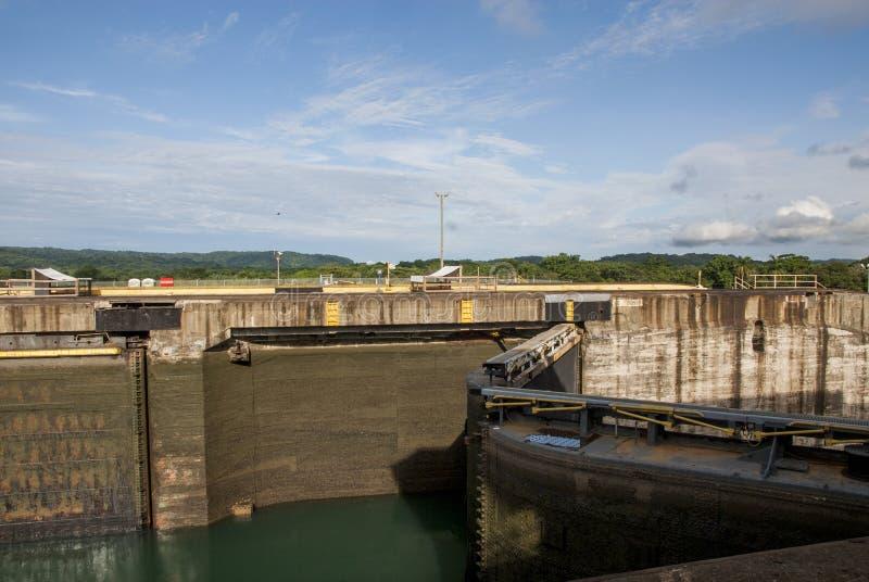 Canale di Panama - Serrature di Gatun fotografia stock