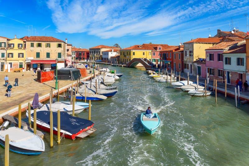Canale di San Donato, Murano ö, Veneto, Italien royaltyfri fotografi
