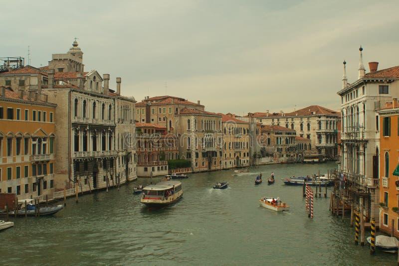 Download Canale gran a Venezia fotografia stock. Immagine di scenico - 3138720