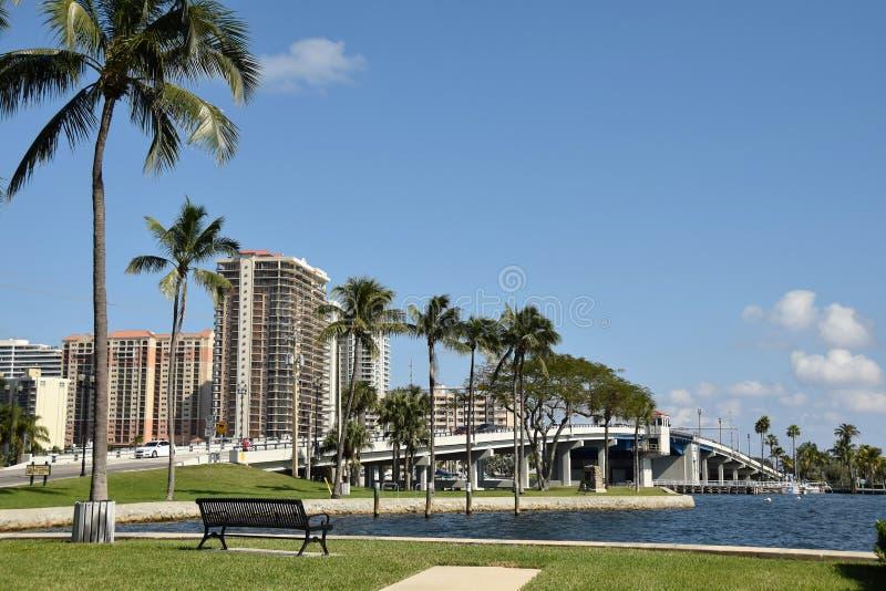 Canale navigabile e ponte in Fort Lauderdale Florida fotografie stock libere da diritti