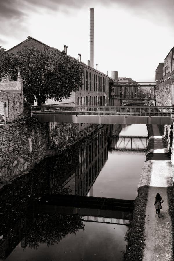 Canale nella vicinanza di Georgetown in Washington DC fotografie stock libere da diritti