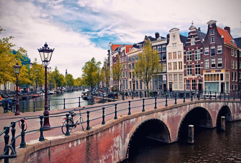 Canales de Amsterdam fotografía de archivo