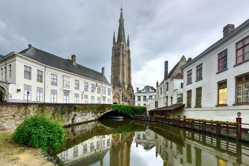 Canales de Brujas, Bélgica foto de archivo