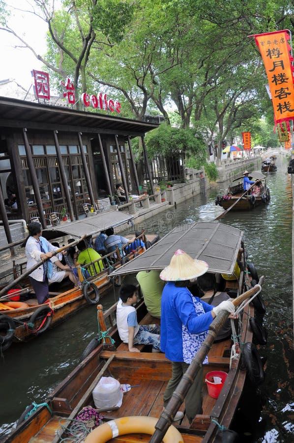 Canales del agua de China de la ciudad de Tongli imagen de archivo