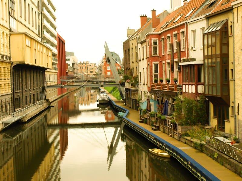 Download Canaleta foto de stock. Imagem de edifício, watercourse - 16865424