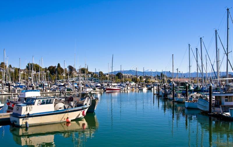 Download Canaleta azul no porto imagem de stock. Imagem de transporte - 12804225