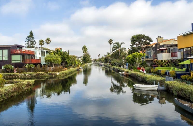 Canali di Venezia, case variopinte originali - spiaggia di Venezia, Los Angeles, California immagine stock libera da diritti