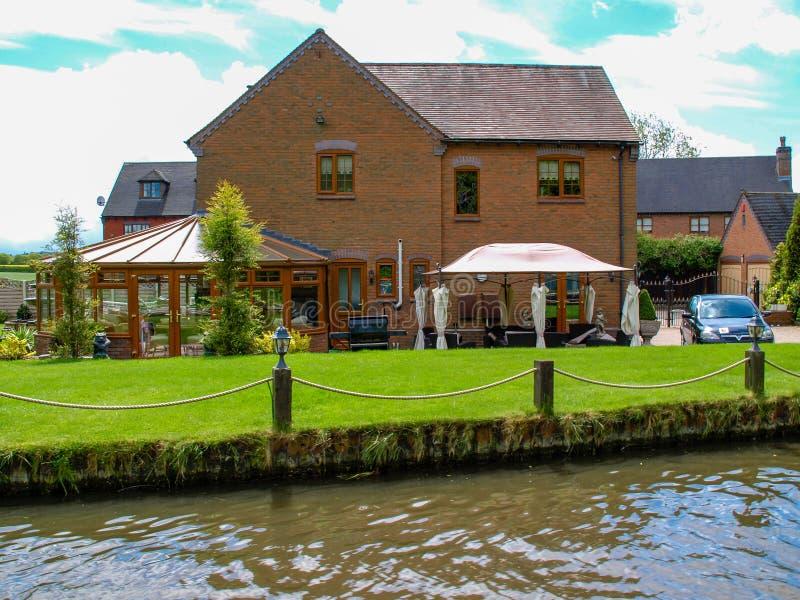 Canalside dom zdjęcia royalty free