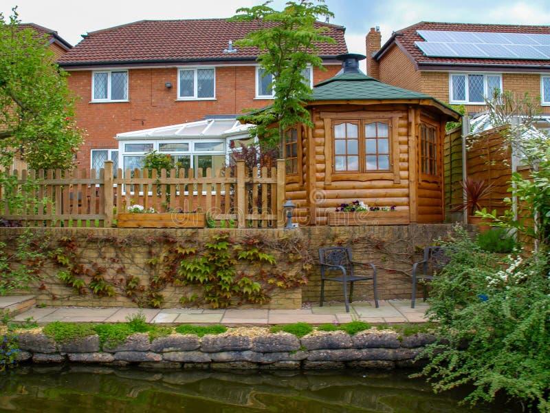 Canalside dom na Trentu i Mersey kanale zdjęcie stock