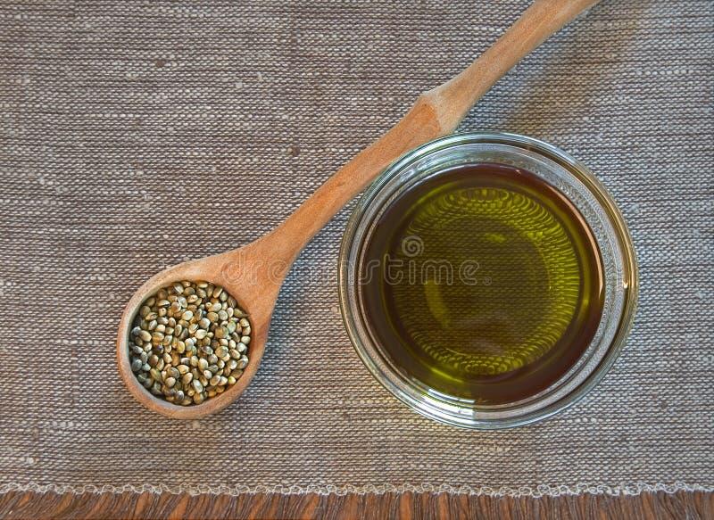 Canapa ed olio di canapa fotografia stock libera da diritti