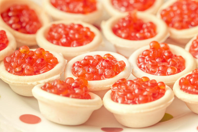 Canape con el caviar rojo fotos de archivo libres de regalías