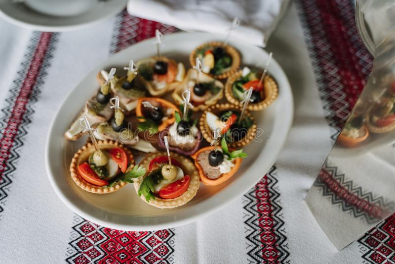 Canape de tartelette ou apéritif délicieux de Crostini photographie stock