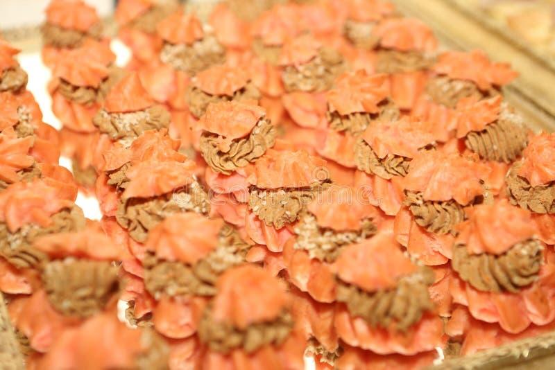 Canapes assortis Canapes avec du jambon Canape avec des harengs Canape avec le pâté photographie stock