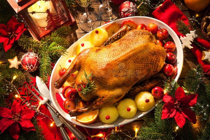 Canard de rôti de Noël photos stock