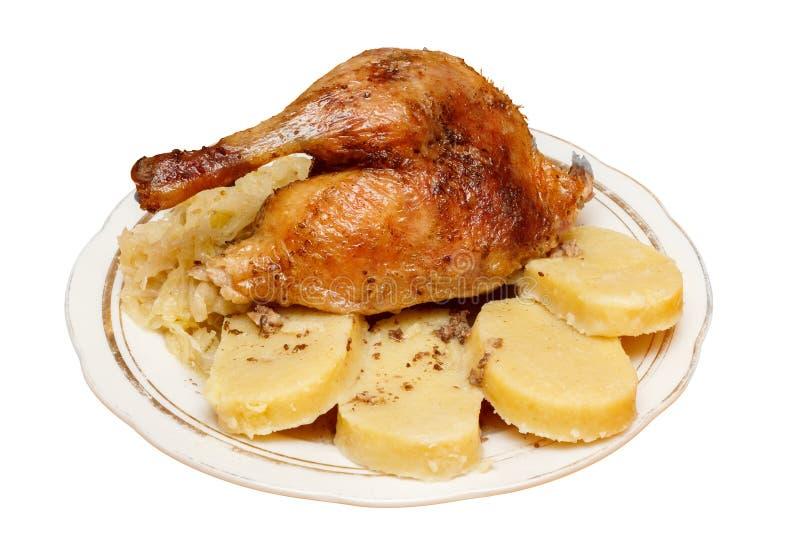 Canard rôti tchèque traditionnel avec le chou et le du photos stock