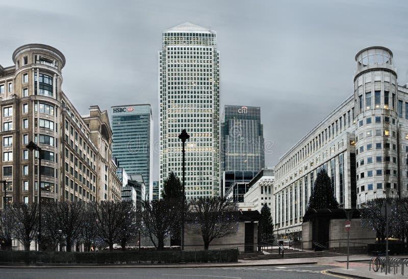 Canary Wharf ist eins der zwei bedeutenden Gesch?ftsgebiete in London Schuss wird an spät genommen lizenzfreies stockfoto