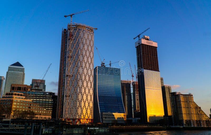 Canary Wharf na zmierzchu zdjęcia royalty free