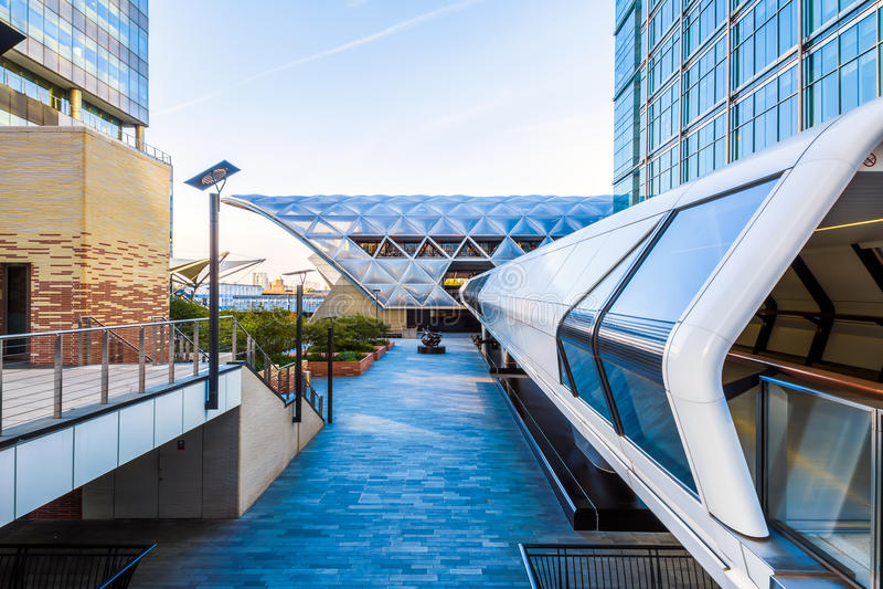 Canary Wharf Pedestrian Bridge. To Crossrail Place in London stock photos
