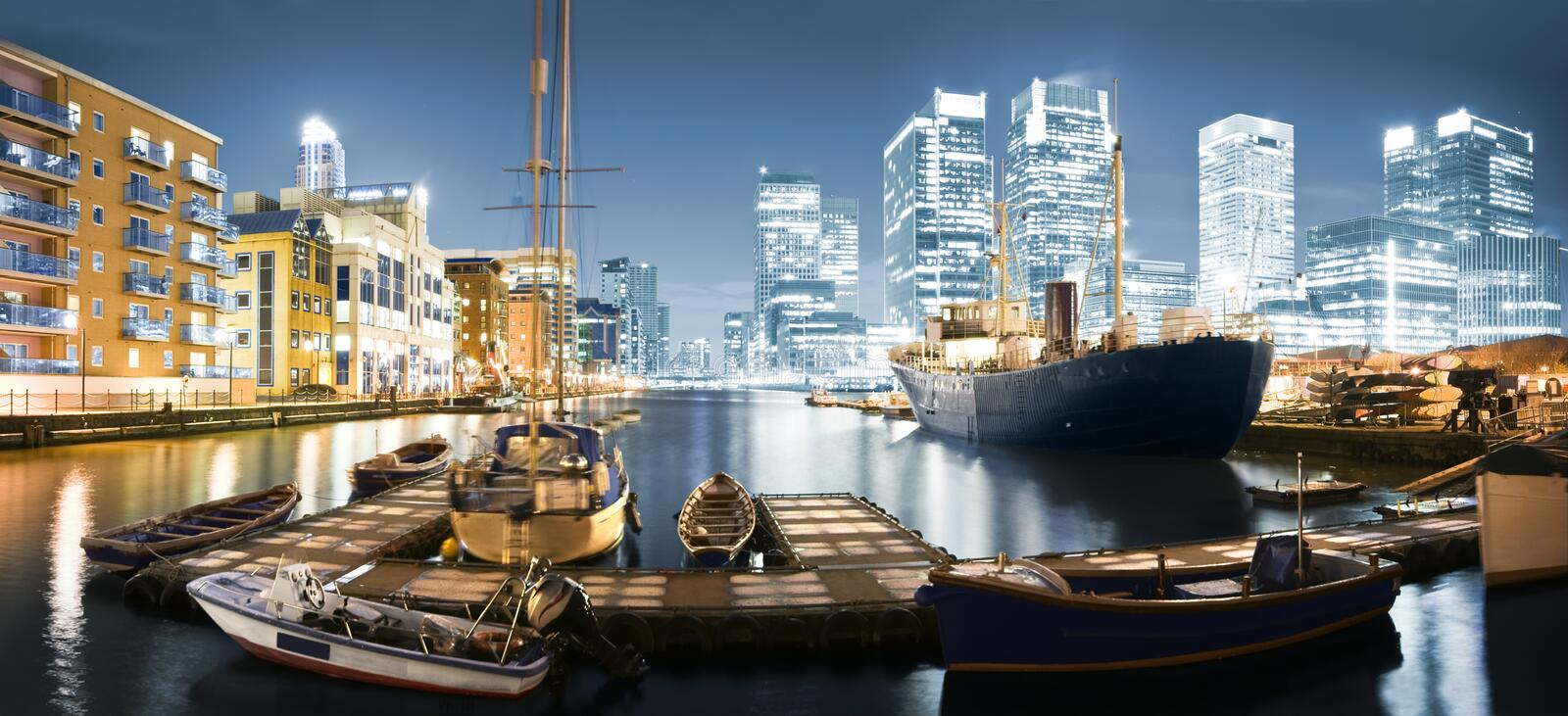 Download Canary Wharf Skyline At Twilight Stock Photo - Image: 12415448