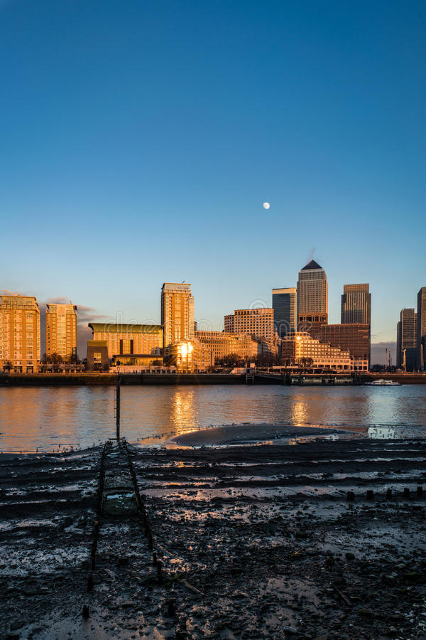 Canary Wharf stående royaltyfria foton