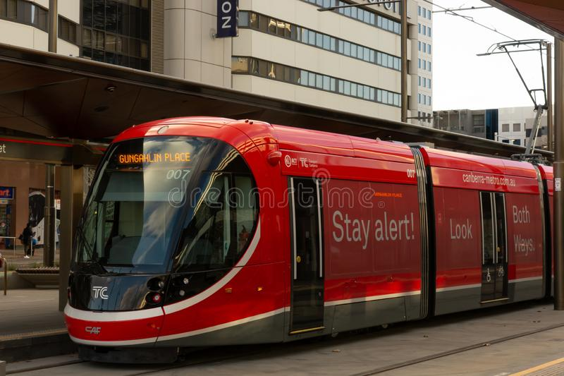 Canberra, Australië - Juli derde 2019: Een Licht Spoorvoertuig in Canberra stock afbeelding