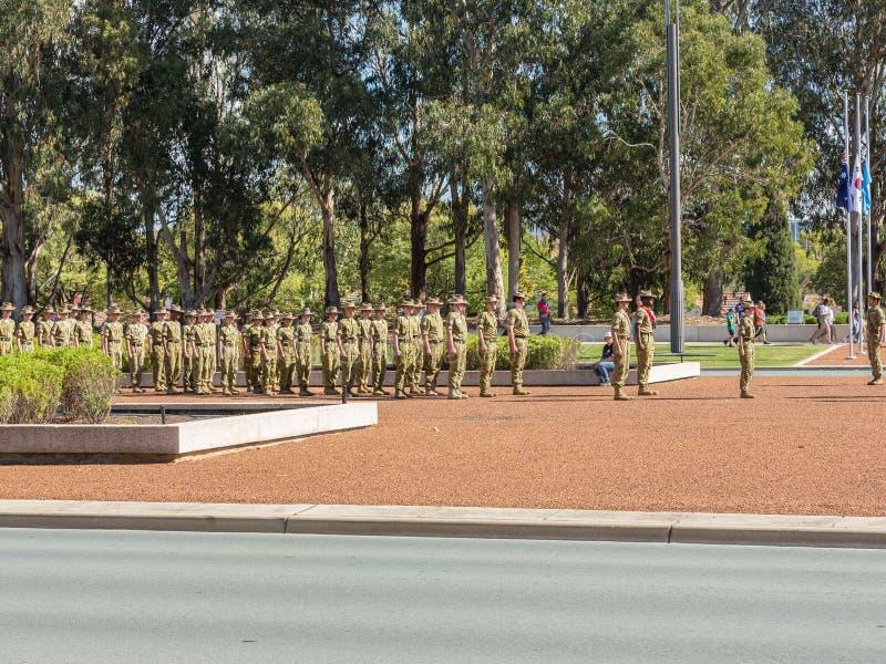 """CANBERRA, AUSTRALIA †""""Kwiecień 25, 2019: Kontyngent wmarsz przy Anzac dnia Krajową ceremonią trzymającą dorocznie w Canberra obrazy stock"""